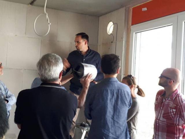 Mit regenerativer Energie aus Luft und Sonne zum KFW 40+ Gebäude